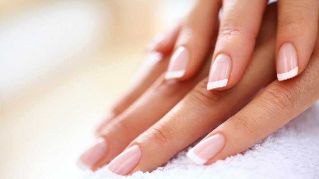manicure-akrylowy.jpg
